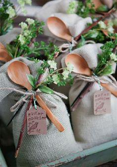 wedding favors 20 Affordable Wedding Favor Ideas to Delight Guests of All Ages Wedding Favors And Gifts, Affordable Wedding Favours, Creative Wedding Favors, Bridal Gifts, Diy Wedding Shower Favors, Burlap Wedding Favors, Wedding Tokens, Cookie Wedding Favors, Unique Baby Shower Favors