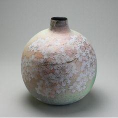 Sakura design Mashiko pot by a woman named Kyoko Shimada