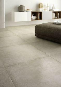 Clays di Marazzi, effetto pietra naturale per dare luce agli interni.  immagine: www.terzo-piano.com