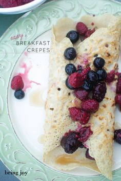 Easy breakfast crepes -- only 4 ingredients | vegan, gluten-free, oil-free