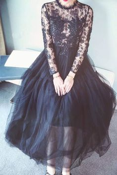 Alluring Round Neck Long Sleeve See-Through Lace Women's Maxi Dress