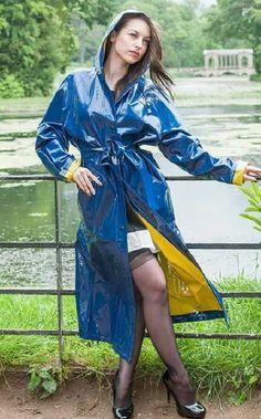 Raincoats For Women Long Sleeve Refferal: 7996152400 Girls Raincoat, Black Raincoat, Raincoat Outfit, Raincoat Jacket, Hooded Raincoat, Best Rain Jacket, North Face Rain Jacket, Rain Jacket Women, Elegant