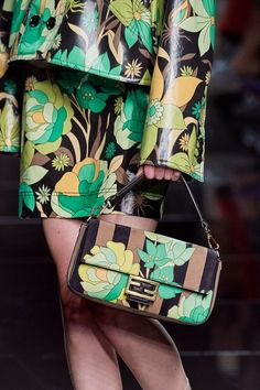 Fendi Spring 2020 Ready-to-Wear Fashion Show - Vogue 2020 Fashion Trends, Fashion 2020, New Fashion, Fashion Show, Floral Fashion, Milan Fashion, Fashion Women, Fendi, Gucci