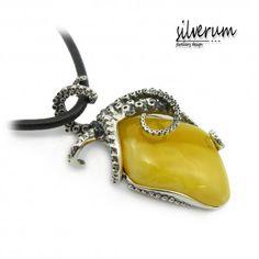 OŚMIORNICA WISIOR - Wykonany ręcznie w srebrze wykończony bursztynem. #jewellery #silver #amber #jewellerydesign #fashion #jewelery #pendant