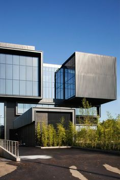 University of Oregon Hatfield-Dowlin Complex by ZGF Architects