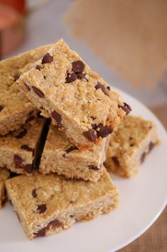 a 10 minute super simple recipe that the whole family will love. A classic favourite with a hit of chocolate! Easy Desserts, Delicious Desserts, Dessert Recipes, Yummy Food, Australian Food, Australian Recipes, Lunch Box Recipes, Lunchbox Ideas, Recipes From Heaven
