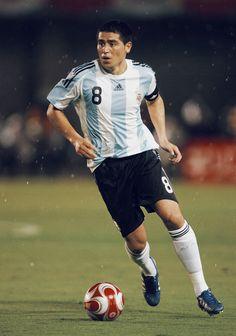 Diego Armando, Nike Free, Nba, Soccer, Sporty, Football, Running, Iphone, Tops