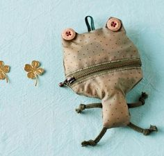 So cute! And it's a free Japanese sewing pattern! Learn to sew Japanese patterns at www.japanesesewingpatterns.com