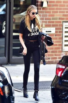 Model-Off-Duty: Get Stella Maxwell's All-Black Weekend Outfit