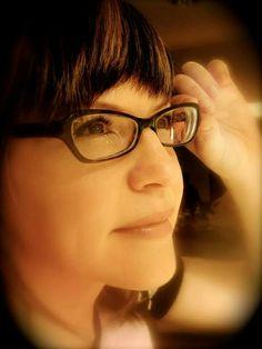 Pretty Lisa Loeb, Her Music, Pretty Woman, Eyes, Glasses, Women, Eyewear, Eyeglasses, Eye Glasses