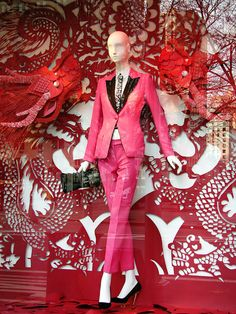 "Bergdorf ""Year of the Dragon"" Windows Fashion Window Display, Window Display Design, Store Window Displays, Display Windows, Visual Merchandising Displays, Visual Display, Retail Windows, Store Windows, Year Of The Dragon"