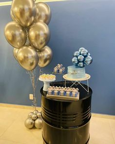 Birthday Box, Mini Cakes, Balloons, Chandelier, Ceiling Lights, Ideas, Creative, Party, Instagram