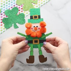 A fun and easy St Patrick's day craft for kids! This clothespin leprechaun craft is easy to make. The leprechaun stands up and a free printable is included! Kids Crafts, St Patrick's Day Crafts, Craft Activities For Kids, Christmas Activities, Preschool Crafts, Holiday Crafts, Diy And Crafts, Craft Projects, Projects For Kids