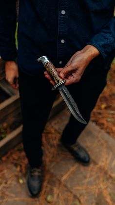 Your knife, your way. Built by hand in our Custom Knife shop. Pictured is a custom 119 Special with a Shokwood handle and chip flint blade. Buck 119, Buck Knives, Fixed Blade Knife, Tactical Knives, Camping Survival, Handle, Shop, Tactical Knife, Door Knob