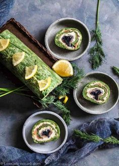 Surprise your guests with those vibrant natural colors of a perfect Keto Savoury Roulade Recipe. Filled with Spinach, smoked salmon, caviar and cream cheese, this festivity Keto appetizer is also perfect for your meal Planning. Ketogenic Recipes, Low Carb Recipes, Healthy Recipes, Healthy Habits, Easy Recipes, Healthy Food, Salmon Roulade, Roulade Recipe, Cold Brew Coffee Recipe