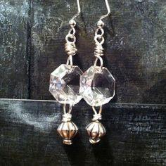 New jewerly handmade crystal earrings 64 ideas How To Make Earrings, Diy Earrings, Crystal Earrings, Vintage Jewelry Crafts, Soldering Jewelry, Homemade Jewelry, Making Ideas, Jewelry Design, Jewelry Making