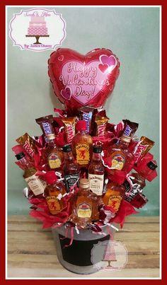 Mini liquor bottles and candy bouquet! Mini liquor bottles and candy bouquet! Mini Alcohol Bouquet, Liquor Bouquet, Candy Bouquet Diy, Valentine Bouquet, Beer Bouquet, Alcohol Gift Baskets, Liquor Gift Baskets, Valentine's Day Gift Baskets, Alcohol Gifts