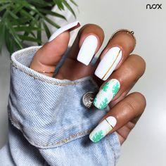 Paznokcie z motywem liści, to niezawodna propozycja na letni manicure! 🌴  #nails #nail #nailsart #nailart #nailsartist #nailartist #whitenails #mattenails #nailswithleaves #nails2inspire #nailsinspirations #nailsdesign #mani #manicure #manicurehybrydowy #paznokcie #paznokciehybrydowe #paznokcieżelowe #paznokciezelowe #białepaznokcie #matowepaznokcie #hybrydy #hybryda #pazurki Nailart, Manicure, Nail Bar, Nail Manicure, Manicures