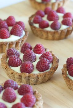 Raspberry custard mini-tarts (Paleo, Grain-Free)