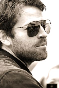 Oh no...this picture has given me the urge to make a board for Misha too... ;D