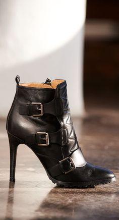 Les chaussures incontournables de l automne   les bottes en cuir matelassé Polo  Ralph Lauren ab0bfcb2ee1