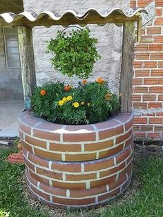 DIY Tire Wishing Well Planters Tutorials: Recycle old tires into an adorable wishing well planter with faux paint brick exterior. a unique way to recycle old tires for garden decoration Diy Garden Projects, Garden Crafts, Diy Garden Decor, Garden Art, Garden Design, Garden Decorations, Table Decoration, Garden Oasis, Art Projects