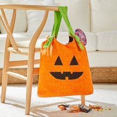 Jack O' Lantern tote #sewhalloween #halloween #trickortreat #makeitcoats