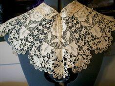 Antique lace collar ivory heavy lace gorgeous