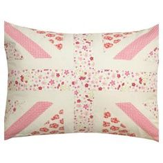 Union Jack Pillow @Caitlin Burton O'Neil this would be a good match for ur other pilllow ;)
