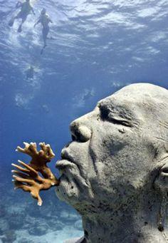 Underwater Sculpture - Jason de Caires Taylor