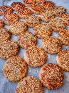 Turkish Recipes, Italian Recipes, Pastry Recipes, Cookie Recipes, Breakfast Items, Breakfast Recipes, Turkish Sweets, Good Food, Food And Drink