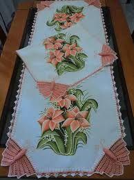 Resultado de imagem para pintura em tecido com croche os mais belos