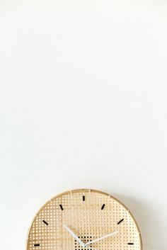Make a DIY Embroidered Basket Clock in 10 minutes! Quick and easy crafts for the home.