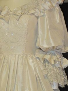Princess Diana wedding dress close up