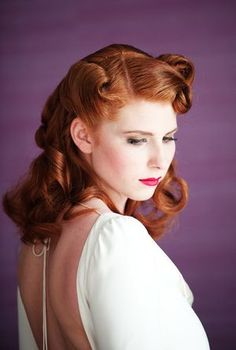 Pin Curls Hair and Makeup totally vintage! 1940s Hairstyles, Curled Hairstyles, Straight Hairstyles, Wedding Hairstyles, Cool Hairstyles, Casual Hairstyles, Hairdos, Pin Curl Hair, Pin Curls