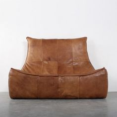 Label design by gerard van den berg sofa santiago in leather taurus brown red label sofas - Sofa zitter ...