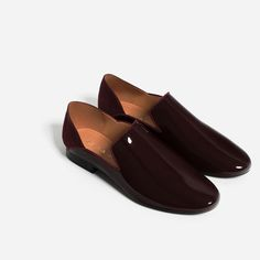 Image 2 of FLAT ASYMMETRIC DESIGN SHOES from Zara