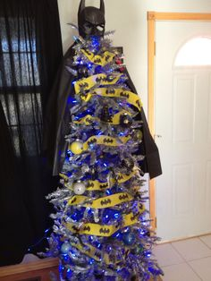 christmas tree decorated like batman | Batman Christmas tree | BATMAN              How David Whitfield wanted to decorate the tree.