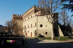 TOURISM in The Marches Region – ITALY - PIANDIMELETO - Fortilizio dei Conti Oliva - © Copyright Photo Piero Evandri - www.italiamarche.com