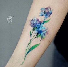 Amazing And Gorgeous Watercolor Tattoo Ideas You'll Love; Amazing And Gorgeous Watercolor Tattoo Ideas Tatoo Flowers, Wildflowers Tattoo, Pretty Flower Tattoos, Flower Tattoo Designs, Beautiful Tattoos, Colorful Flower Tattoo, Design Tattoos, Tattoos Skull, Body Art Tattoos