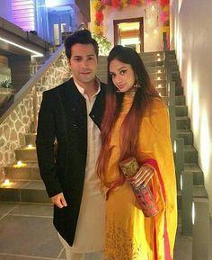 Alia And Varun, Varun Dhawan, Bollywood Actors, My Crush, Crushes, Handsome, Sari, Saree, Saris