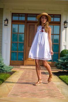 These are some of the preppy outfits and fashion ideas you can try out the next time you want to don a look. With the selective outfits that we Cute Preppy Outfits, Chic Summer Outfits, Preppy Dresses, Preppy Style, Spring Summer Fashion, Cute Dresses, Summer Dresses, Casual Summer, Beach Outfits