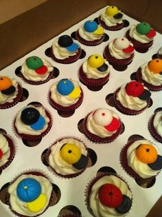 Snapback cupcakes