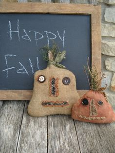 In Love with Burlap Primitive Fall Crafts, Primitive Autumn, Primitive Pumpkin, Americana Crafts, Holidays Halloween, Halloween Fun, Halloween Decorations, Fall Projects, Halloween Projects