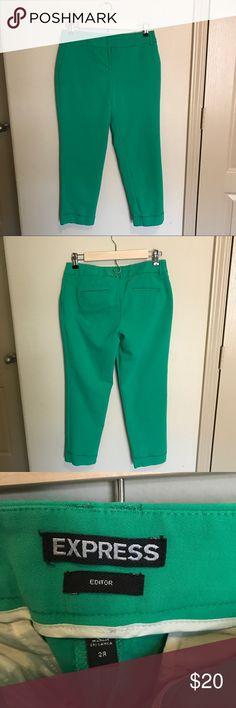 Express Capris Gorgeous green capris from Express! Size 2 Regular. Express Pants