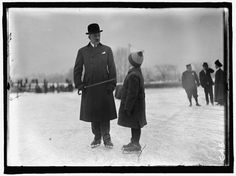 All images from the Harris and Ewing Collection. Old Photos, Vintage Photos, Outdoor Ice Skating, Retro Kids, Skate Party, Skating Dresses, Winter Fun, Figure Skating, Vintage Photography