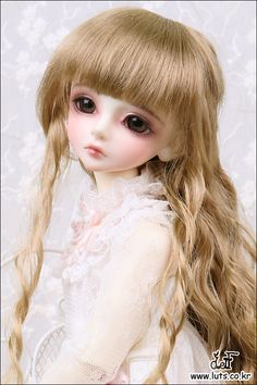 This is Luts Kid Delf Bory (girl version) and I plan to buy her as Eveline's little sister.