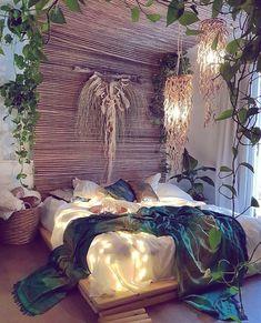 Une déco naturelle et végétale, pour le meilleur endroit de sa maison. 🍃🌼 Simple et efficace. Vous validez ? 🧐  #eldotravo #maison #decorationinterieur #déco #inspiration #photodujour #cosy #cosyhome #nature #plaid #lit #cocooning #jungleroom #ideedeco