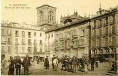 Plaza Bib Rambla a comienzos del siglo XX Se observan aún los miradores del edificio del Arzobispado, desaparecidos en el incendio de 1982