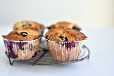 Blueberry muffins with lemon Muffins, Food And Drink, Sweets, Snacks, Cookies, Eat, Breakfast, Desserts, Chocolates